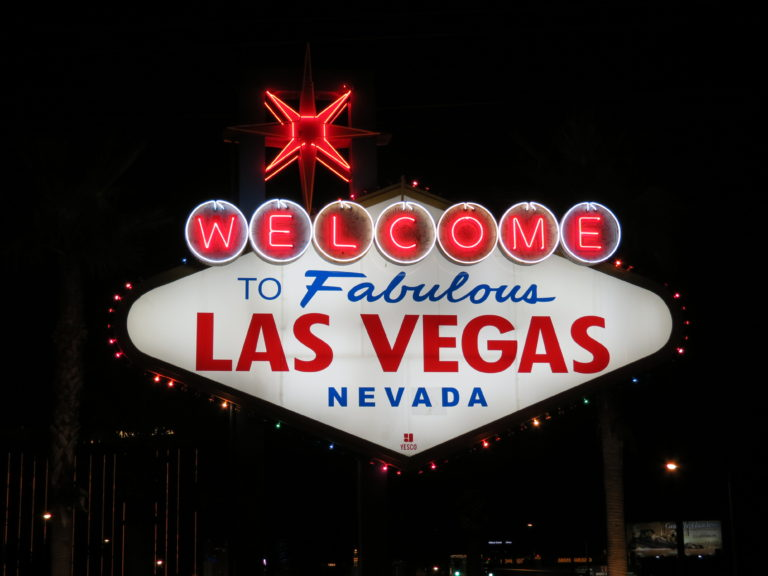 Cheap flights to Las Vegas from Ottawa starting at only 308$ R/T